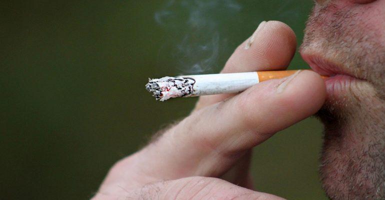 Tabaco,-un-enemigo-también-para-nuestra-boca-1920