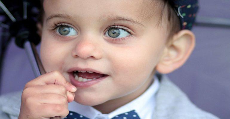 3-hábitos-prohibidos-para-prevenir-la-caries-en-bebés-y-niños-1920