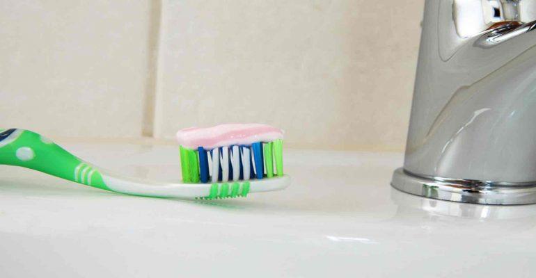 Los-usos-mas-curiosos-de-la-pasta-de-dientes-1920